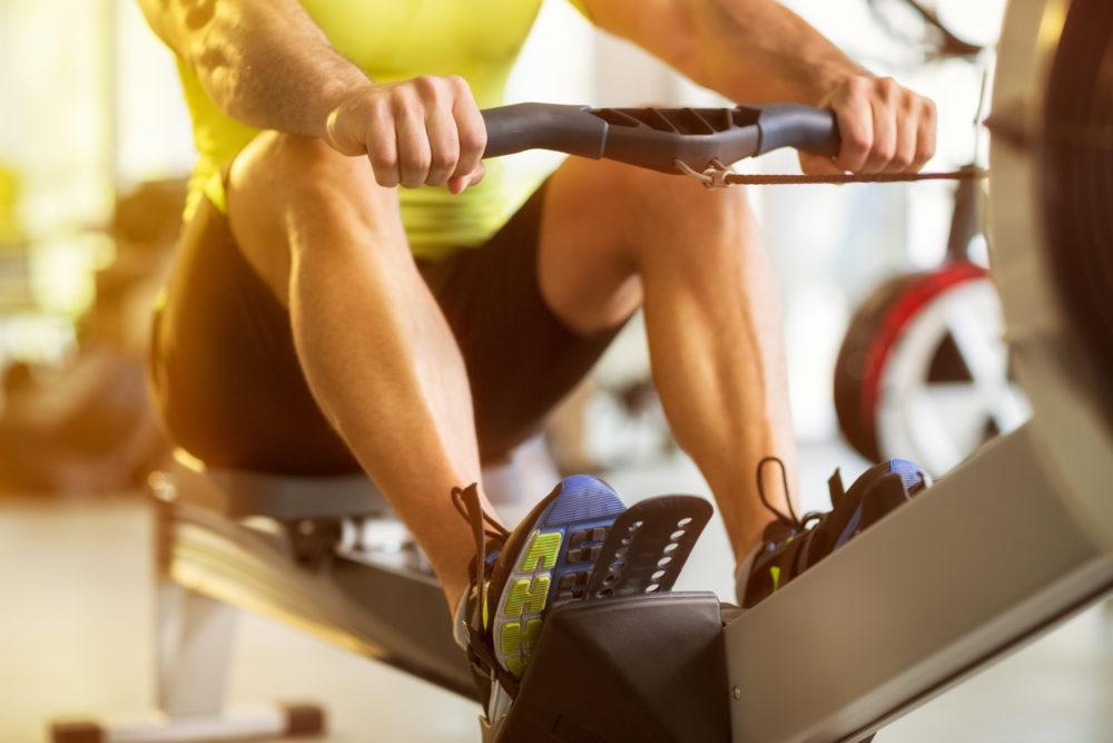 運動トレーニング男性
