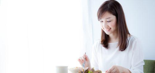 食事 女性